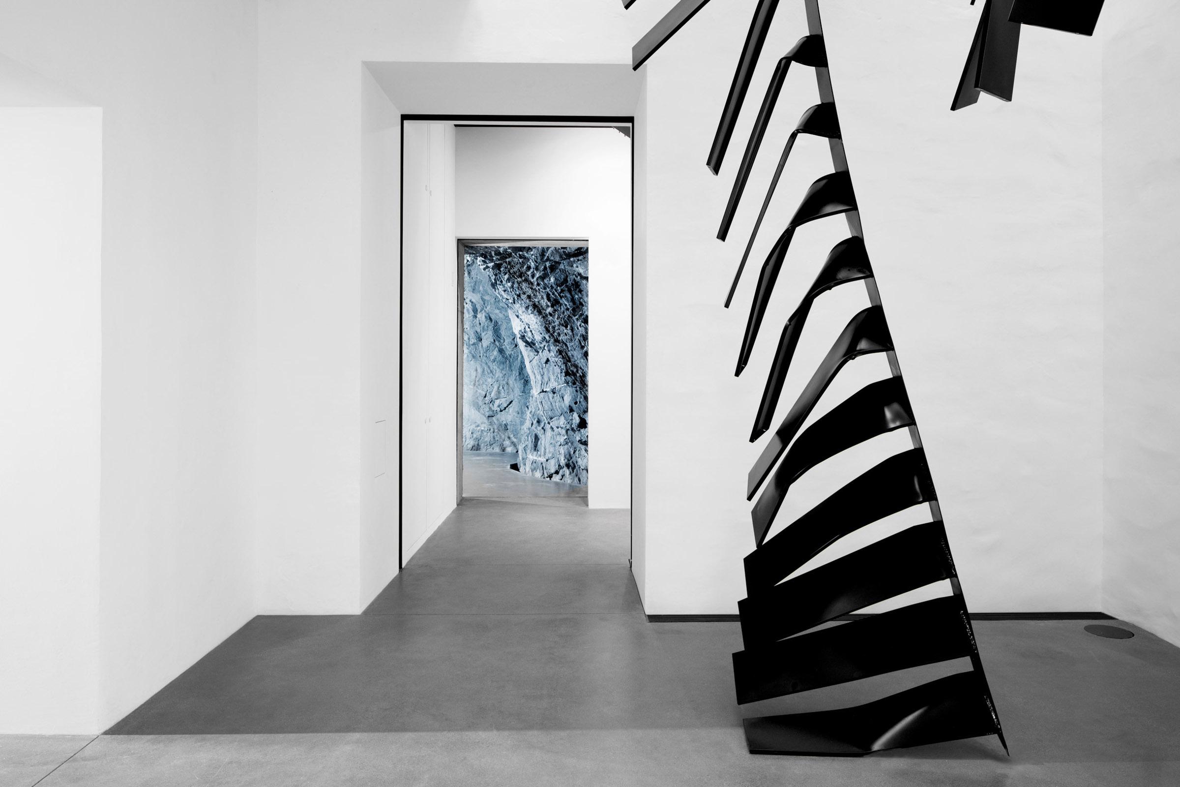 muzeum-susch-chasper-schmidlin-lukas-voellmy-subterranean-museum-architecture-switzerland_dezeen_2364_col_6